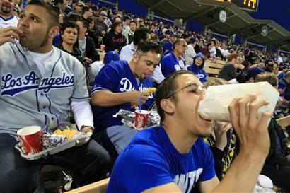 stadium_food_pigs